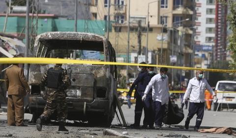 아프간, 반군 탈레반이 통제하는 지역  차량 폭탄 폭발
