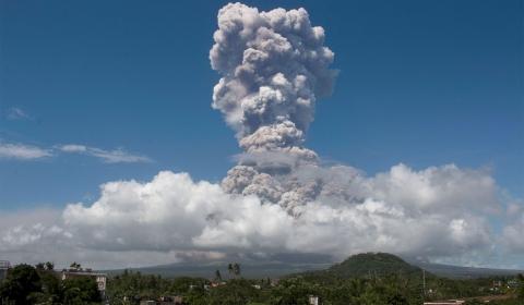 필리핀 마닐라 인근  타알(TAAL) 화산 폭발