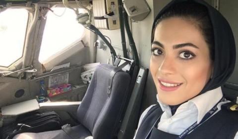이란의 변화 - 이란에서 첫 여성 기장의 비행