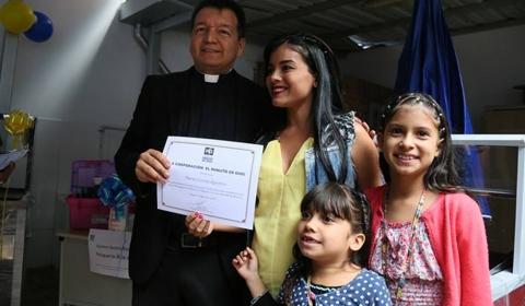미누토 드 디오스 베네수엘라 이주민 돕기